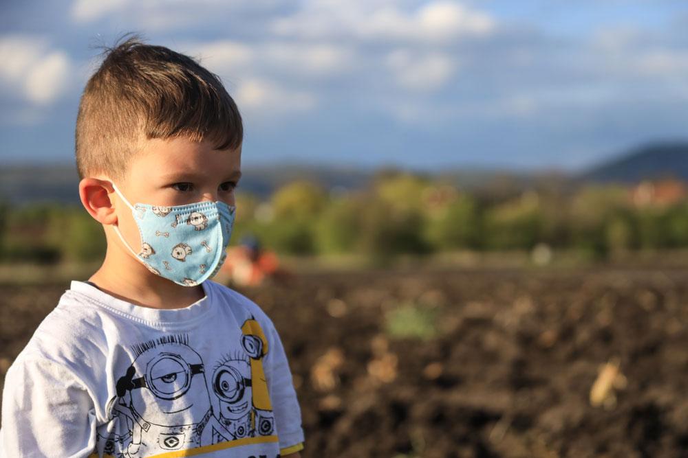 Με προσοχή οι μάσκες στα παιδιά-Με προσοχή και οι ...